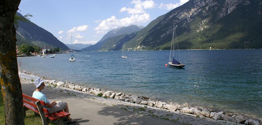 Austria_Lake-Achensee_Lakeside-view.jpg
